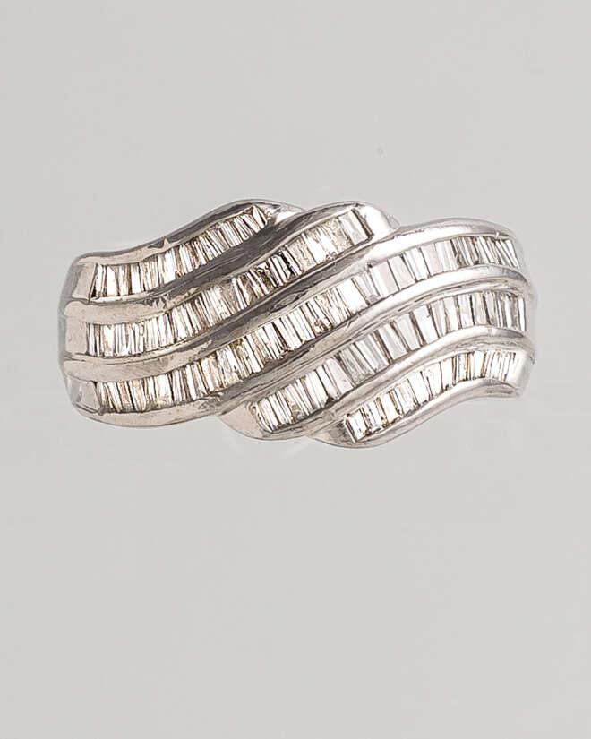 Swirling Path Diamond Ring